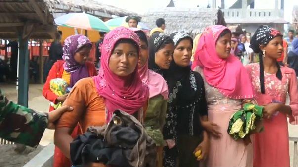 Rescatados 76 rohinyás en aguas de Indonesia