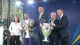 وصول كأس نهائي دوري الأبطال الأوروبية إلى العاصمة الأوكرانية