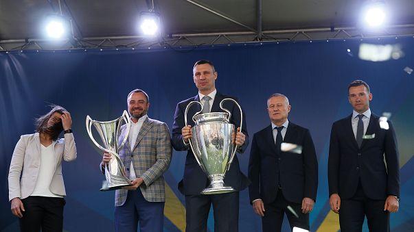 Champions League trophy arrives in Kiev