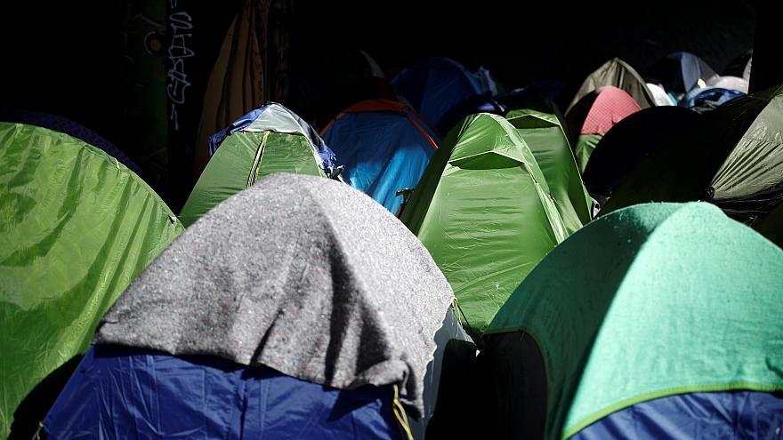 خيم مهاجرين في فرنسا