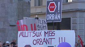 Húngaros manifestam-se contra primeiro-ministro