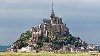 عملیات ضدتروریستی در مرکز توریستی فرانسه: جزیره «مون سنمیشل» تخلیه شد