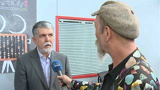 پرسش خبرنگار یورونیوز از وزیر ارشاد: آیا جعفر پناهی میتواند از کشور خارج شود؟