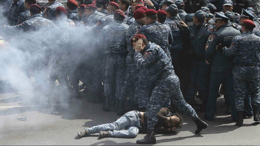 ادامه درگیریها در ارمنستان؛ رهبر مخالفان دستگیر شد