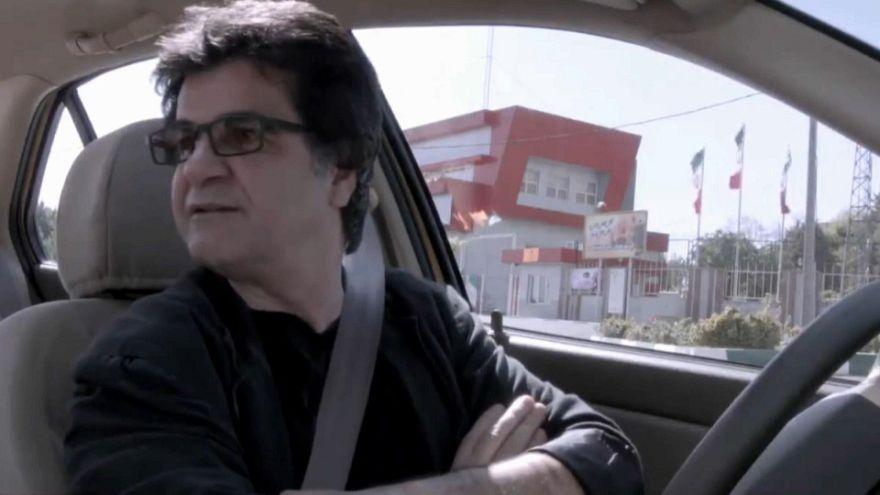 Presença de realizador iraniano em Cannes em suspenso