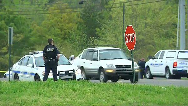 Nackter Angreifer erschießt 4 Menschen in Tennessee