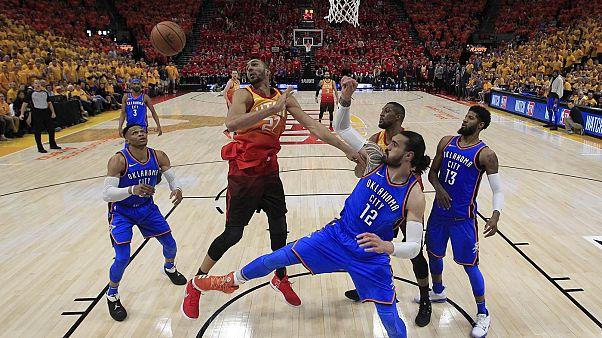 NBA: Πήρε κεφάλι στη σειρά με την Οκλαχόμα η Γιούτα