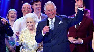 """E Carlo chiama """"Mamma"""" la Regina..."""
