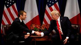 الرئيسان، الأمريكي دونالد ترامب (يمين) والفرنسي إيمانويل ماكرون