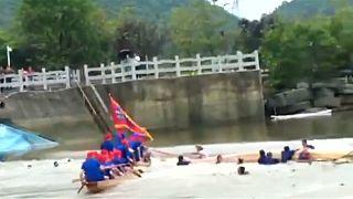 Tragedia al naufragar dos 'barcos dragón' al sur de China