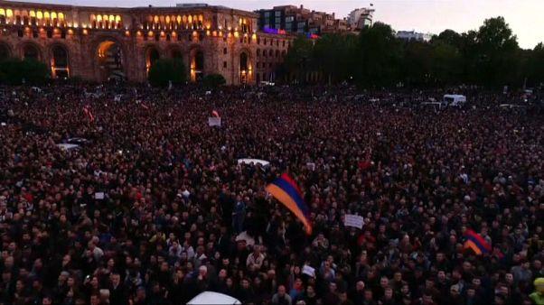 Armenien: Über 230 Festnahmen bei Protesten