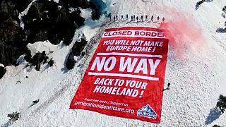 «مرز مسدود است» «اروپا خانه شما نخواهد بود» «راهی نیست/به کشورتان برگردید»