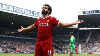 نجوم كرة وممثلون عالميون يثنون على محمد صلاح بعد تتويجه كأفضل لاعب بإنجلترا
