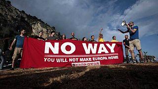 Aşırı sağcılardan Alp Dağları'nda göçmen karşıtı eylem