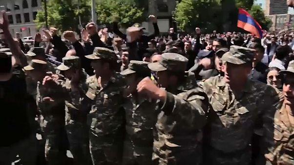 رئيس وزراء أرمينيا يعلن أنه سيستقيل بعد تصاعد الاحتجاجات ضده