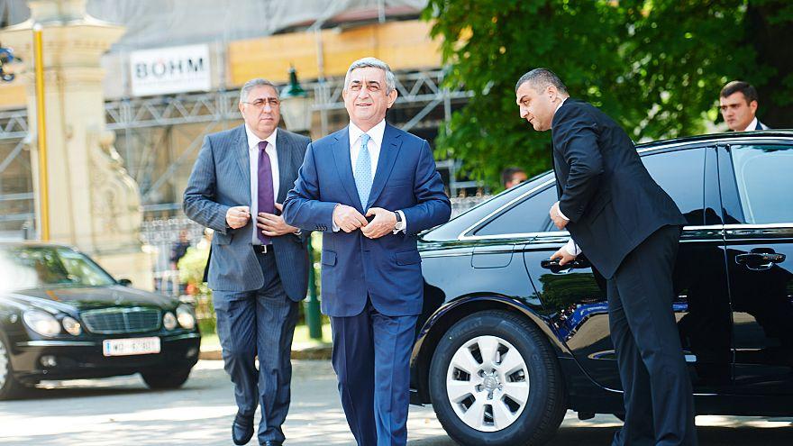 Ermenistan Başbakanı Serj Sarkisyan görevinden istifa etti