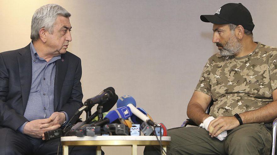 L'Armenia in festa per le dimissioni del Premier. Celebrano anche le comunità estere