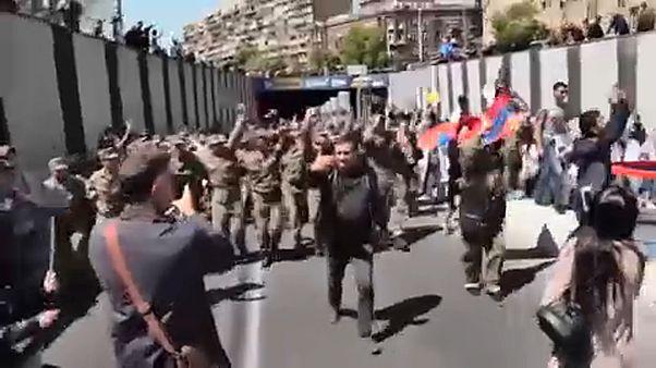 Lemondott az örmény kormányfő