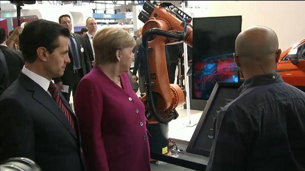 Angela Merkel y Enrique Peña Nieto en la Feria de Hannover