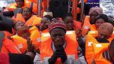 Il canto di gioia delle migranti dopo essere state salvate nel Mediterraneo