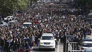 La rue en liesse après la démission du 1er ministre arménien