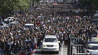 Ερεβάν: Πανηγυρισμοί για την παραίτηση Σαρκισιάν
