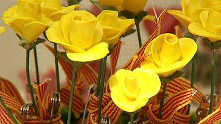 Barcelona vive su Sant Jordi más politizado