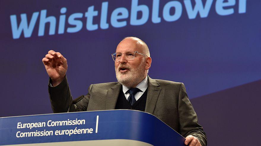 Comissão Europeia propõe lei para proteger os denunciantes