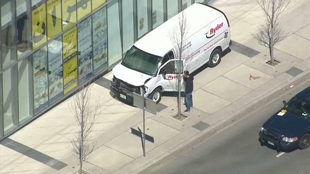 Al menos dos muertos y varios heridos en un atropello masivo en Toronto