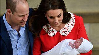 Az első képek az újszülött brit hercegről