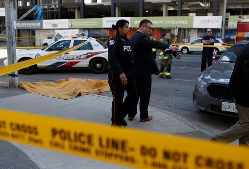 Homem detido após atropelar várias pessoas em Toronto