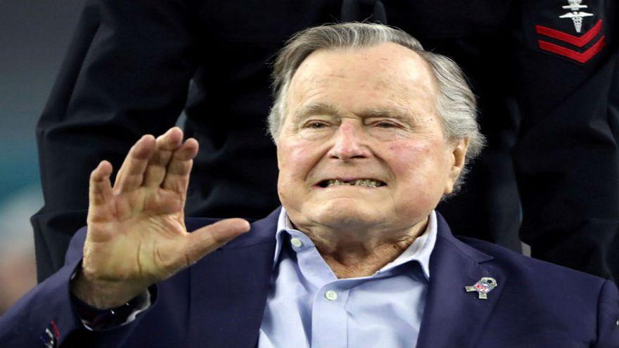 جورج بوش الأب يدخل المستشفى