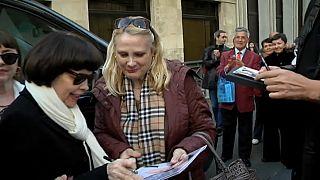 La très populaire Mireille Mathieu en tournée en Allemagne