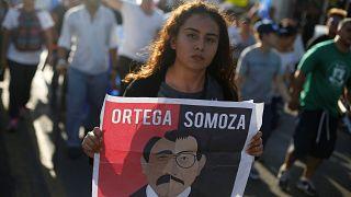 Protestos contra presidente continuam