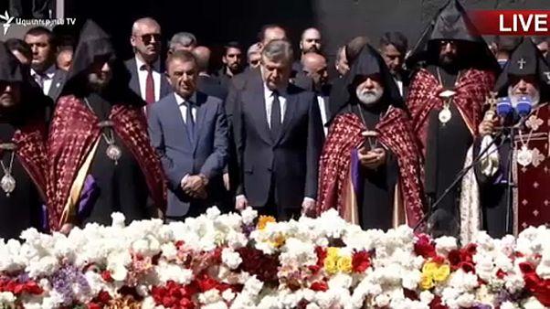 Kormányválság és történelmi emlékezet Örményországban