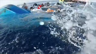 Mediterraneo: salvataggio di migranti al largo della costa libica