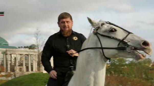"Tschetscheniens Kadyrow: ""Allah erlaubt uns, 4 Frauen zu haben"""