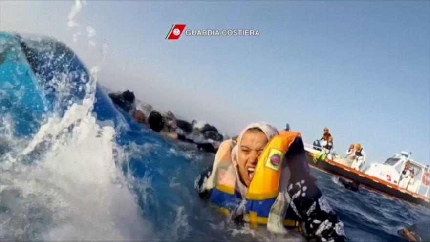 فيديو: مشاهد مروعة لإنقاذ مهاجرين غير شرعيين بالبحر المتوسط