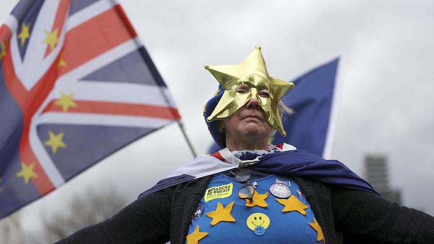 Brexit: Verhofstadt pede simplificação do registo dos cidadãos