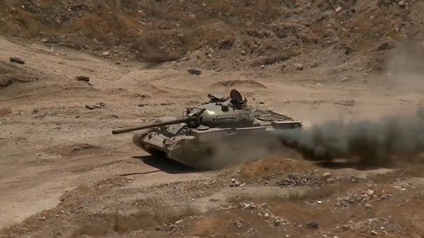 Siria: il regime bombarda il campo di Yarmuk