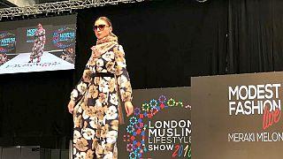 نبيذ بلا كحول ولحوم حلال في معرض لندن للأزياء الإسلامية