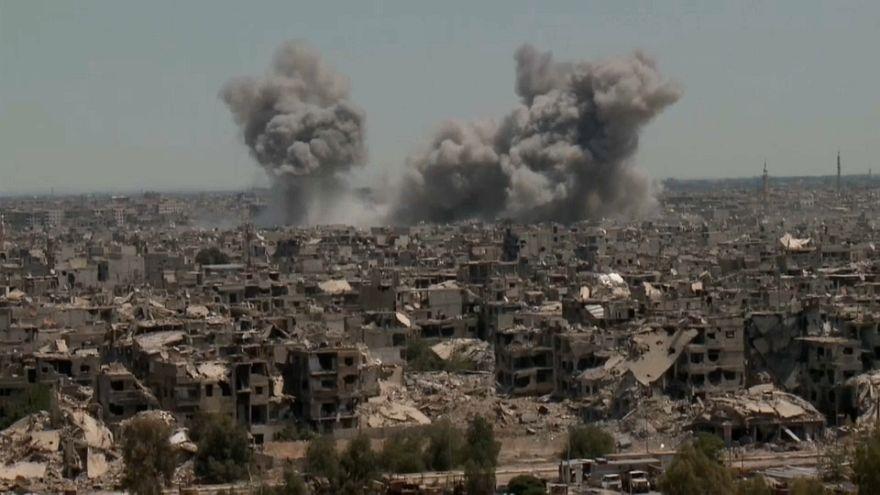 Suriye Ordusu Humus'u bombardımana tutuyor