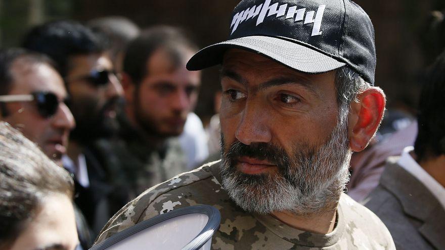Arménie : le chef de l'opposition maintient la pression