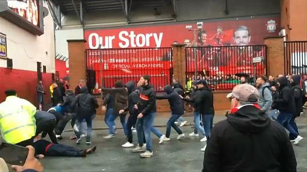 Столкновения футбольных фанатов в Ливерпуле