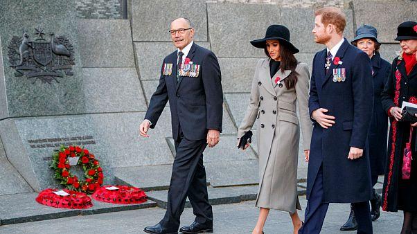 Az elesett ausztrál és új-zélandi katonákra emlékeztek