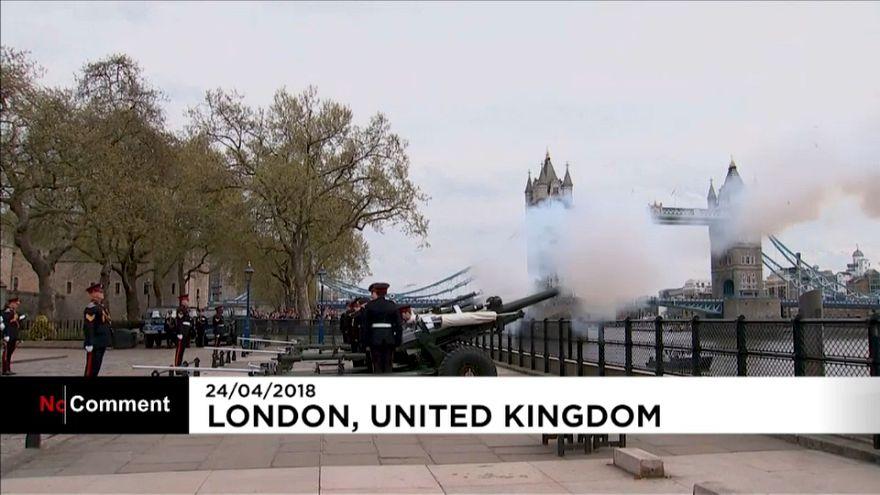 Londres célèbre la naissance du 3e Royal Baby