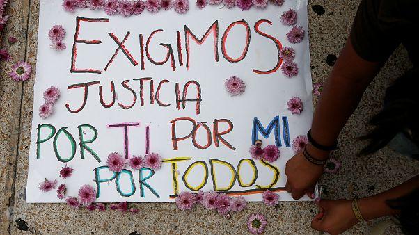 Messico, il narcoterrore colpisce gli innocenti