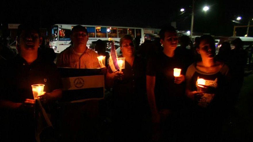 Nicaraguenses exigem demissão do presidente