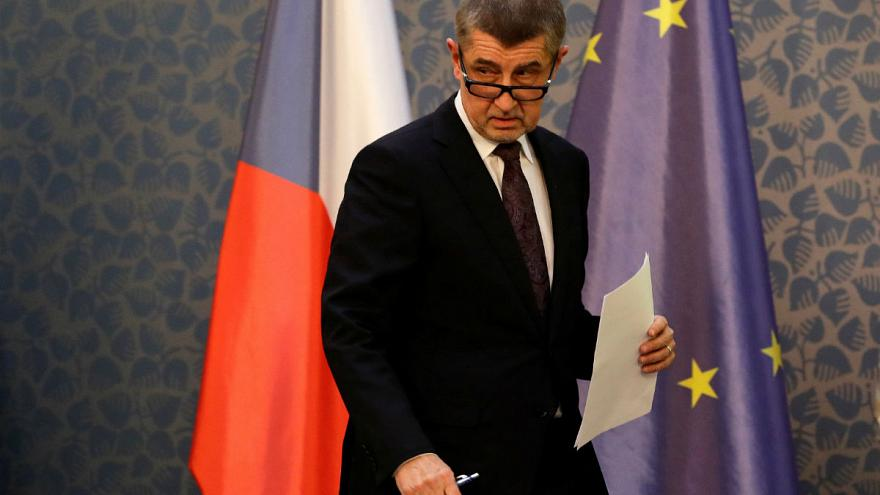 Szlovák lapot perel a cseh miniszterelnök