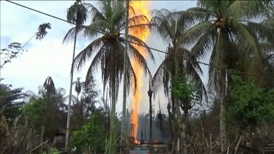 18 قتيلا على الأقل في حريق بئر نفطية في إندونيسيا
